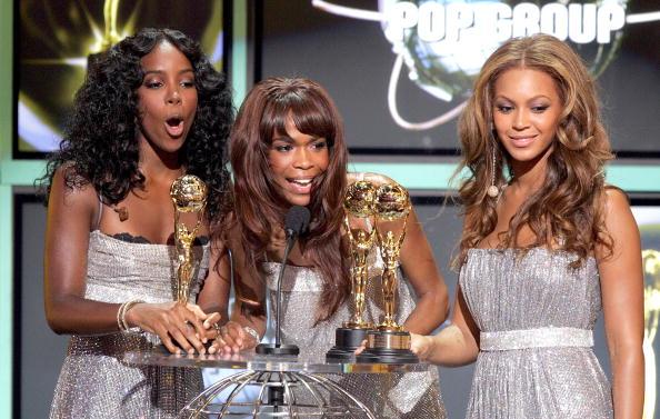 Kelly public「2005 World Music Awards - Show」:写真・画像(9)[壁紙.com]
