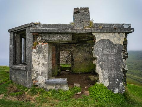 Achill Island「Abandoned and dilapidated stone building on Achill Head, Wild Atlantic Way」:スマホ壁紙(19)