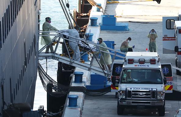 Netherlands「Zaandam And Rotterdam Cruise Ships Carrying Coronavirus Patients Dock In Florida」:写真・画像(7)[壁紙.com]