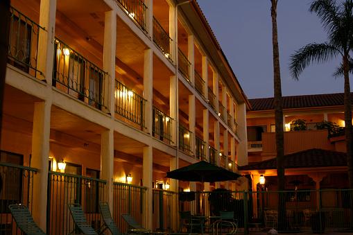 Motel「Nightime Hotel」:スマホ壁紙(4)