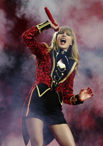 Red「MTV EMA's 2012 - Show」:写真・画像(4)[壁紙.com]
