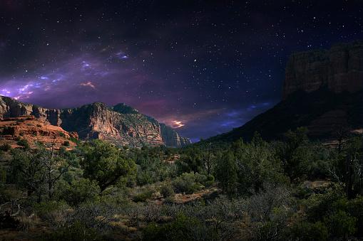 Sedona「Desert landscape and night sky, Sedona, Arizona, United States」:スマホ壁紙(0)