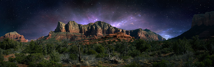 Sedona「Desert landscape and night sky, Sedona, Arizona, United States」:スマホ壁紙(15)