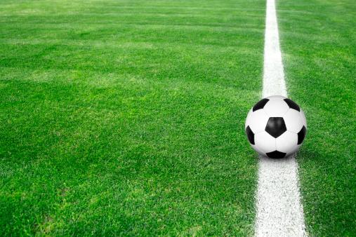 Agricultural Field「Soccer ball on green grass」:スマホ壁紙(3)