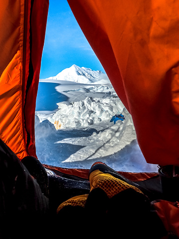 Sweatshirt「Camping in the wild. Admiring view from a tent」:スマホ壁紙(8)
