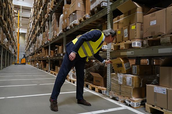 Shipping「Transport Minister Scheuer Visits Logistics Center During Coronavirus Crisis」:写真・画像(12)[壁紙.com]