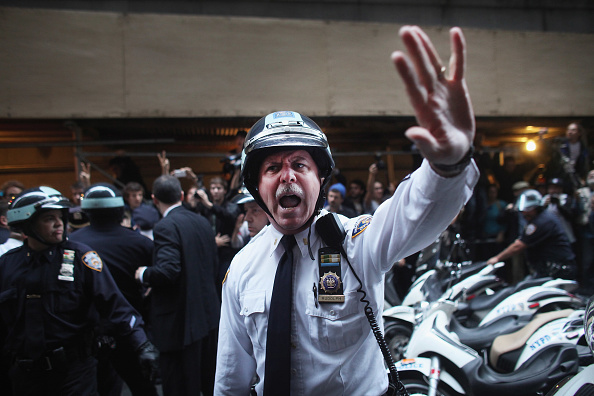 Street「New York City Attempts To Remove Occupy Wall St Protestors From Park Encampment」:写真・画像(3)[壁紙.com]