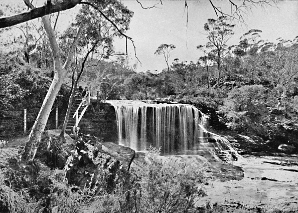 1900「The Weeping Rock At Wentworth Falls」:写真・画像(6)[壁紙.com]