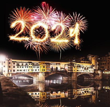 花火「ヴェッキオ橋のフィレンツェで花火」:スマホ壁紙(0)