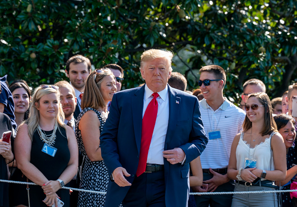 Outdoors「President Trump Departs White House For Fundraising Events And Vacation」:写真・画像(5)[壁紙.com]
