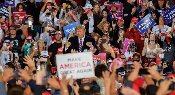 Political Rally「President Trump Holds Campaign Rally In Pennsylvania」:写真・画像(14)[壁紙.com]