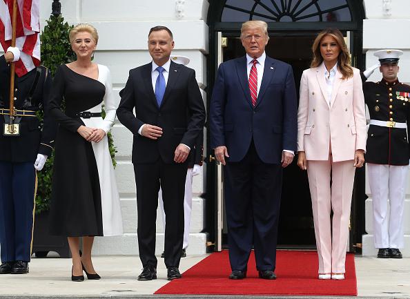 全身「President Donald Trump Welcomes Polish President Andrzej Duda To The White House」:写真・画像(1)[壁紙.com]