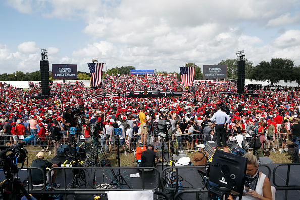 Tampa「President Donald Trump Holds Campaign Rally In Tampa」:写真・画像(13)[壁紙.com]