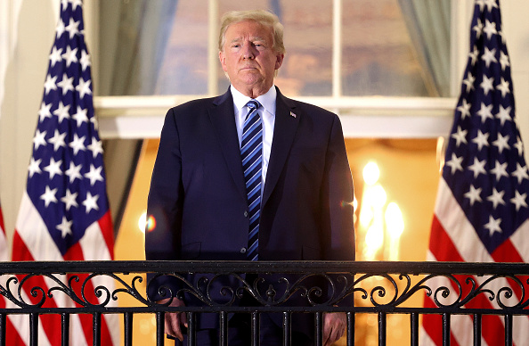 Donald Trump - US President「President Trump Arrives Back At White House After Stay At Walter Reed Medical Center For Covid」:写真・画像(4)[壁紙.com]