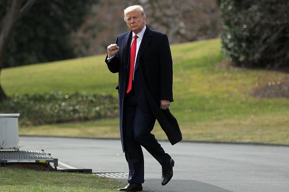 全身「President Trump Departs White House For Midwest Trip」:写真・画像(3)[壁紙.com]