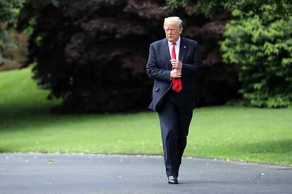 歩く「President Trump Departs White House En Route To New York」:写真・画像(17)[壁紙.com]