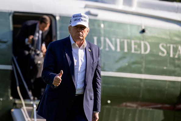 Weekend Activities「President Trump Returns To White House After Weekend At Bedminster, NJ Resort」:写真・画像(8)[壁紙.com]