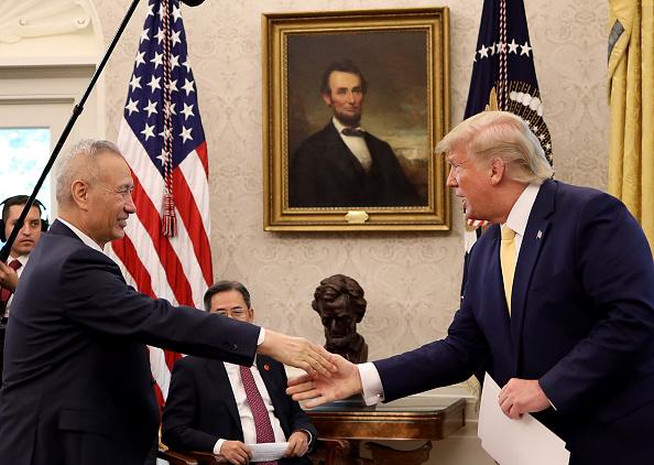 Trader「President Trump Meets With China's Vice Premier  Amid Trade Talks In Washington」:写真・画像(12)[壁紙.com]
