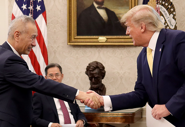 Trader「President Trump Meets With China's Vice Premier  Amid Trade Talks In Washington」:写真・画像(1)[壁紙.com]