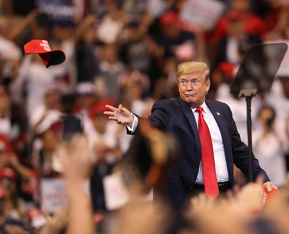 """Hat「Donald Trump Holds A """"Welcome Home"""" Rally In South Florida」:写真・画像(1)[壁紙.com]"""