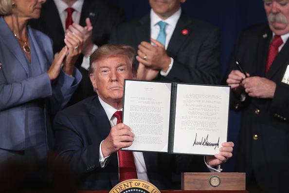Debt「President Trump Addresses American Veterans 75th National Convention」:写真・画像(4)[壁紙.com]