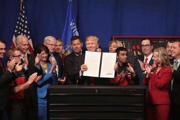 Guest「President Trump Visits Snap-On Tools In Kenosha, Wisconsin」:写真・画像(9)[壁紙.com]