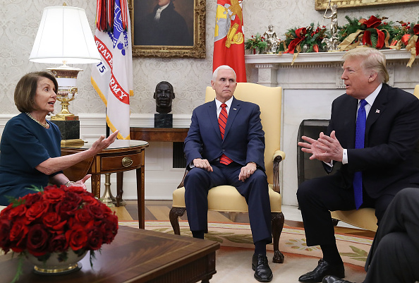 Sitting「President Trump Meets With Nancy Pelosi And Chuck Schumer At White House」:写真・画像(12)[壁紙.com]