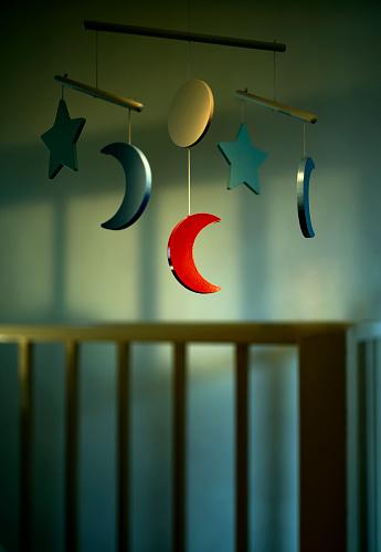 Moon「Nursery Mobile」:スマホ壁紙(16)