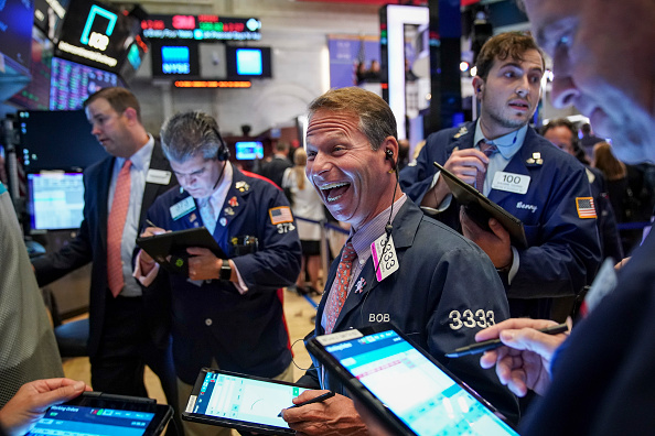 New York Stock Exchange「Dow Plunges Over 500 Points Amid Fears Of An Economic Slowdown」:写真・画像(4)[壁紙.com]