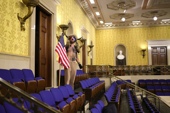 Capitol Hill「Congress Holds Joint Session To Ratify 2020 Presidential Election」:写真・画像(16)[壁紙.com]