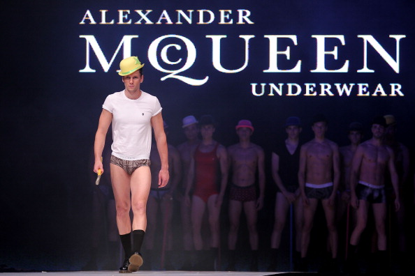 Alexander McQueen - Designer Label「Men's Fashion Week 2011 Singapore - Day Four」:写真・画像(15)[壁紙.com]