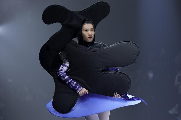 Layered Dress「2021 China Graduate Fashion Week - Day 5」:写真・画像(11)[壁紙.com]