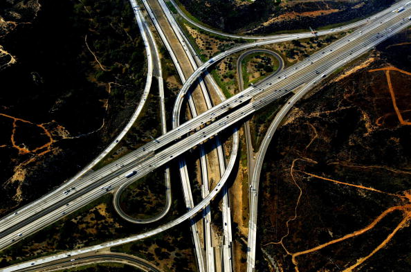 Highway「An aerial view of scorched earth」:写真・画像(1)[壁紙.com]