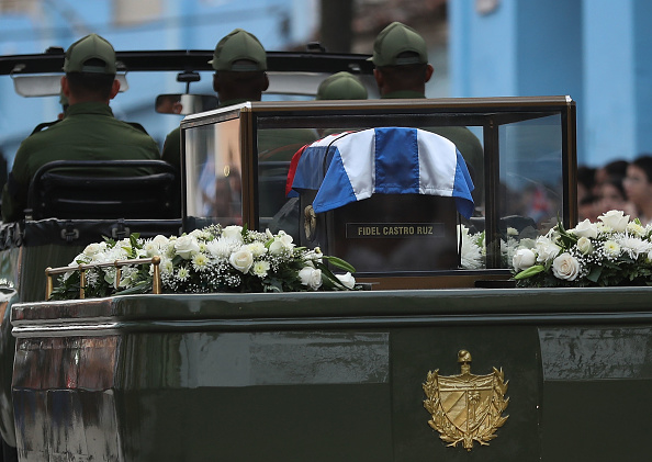 Death「Fidel Castro's Remains Travel Across Cuba Ahead Of His Burial」:写真・画像(19)[壁紙.com]