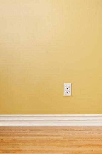 Baseboard「Wall Plug In Empty Room」:スマホ壁紙(17)