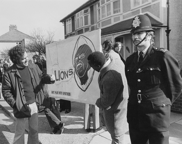 Black History in the UK「Anti-Apartheid Demonstration」:写真・画像(7)[壁紙.com]