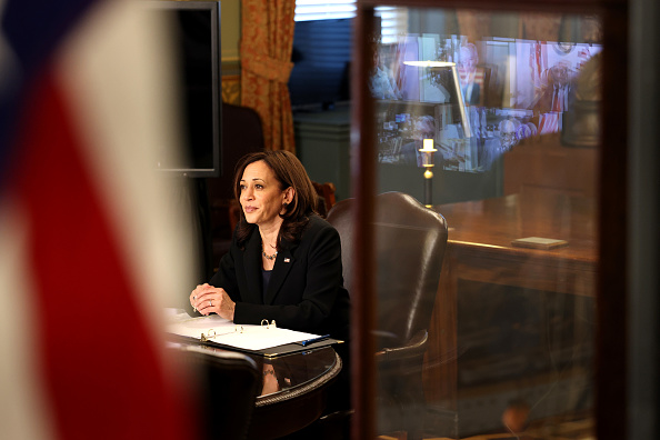 Growth「Vice President Harris Meets With Members Of Congress To Discuss High Speed Internet」:写真・画像(14)[壁紙.com]