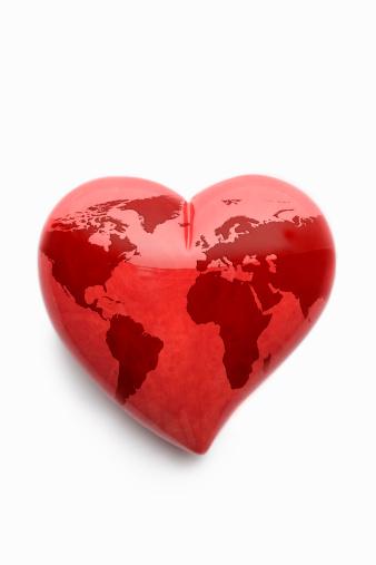 Alabaster「Red alabaster heart with world map on white」:スマホ壁紙(7)