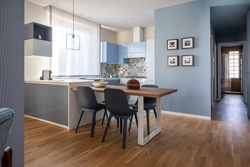 Model Home「Brand new empty modern design apartment for rental」:スマホ壁紙(11)