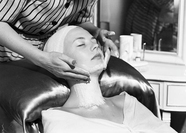 Beauty「Skin Treatment」:写真・画像(7)[壁紙.com]
