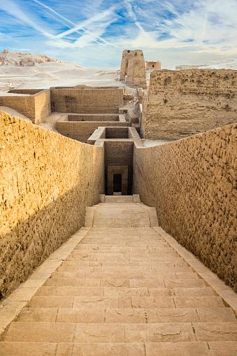 Ancient Civilization「Excavations by Temple of Hatshepsut, Luxor, Egypt」:スマホ壁紙(11)