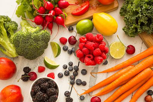 Cutting Board「Fresh fruits and vegetables」:スマホ壁紙(18)