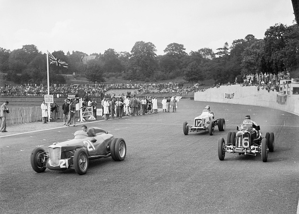 P「Riley of PW Maclure and ERAs of Raymond Mays and AC Dobson, Imperial Trophy, Crystal Palace, 1939」:写真・画像(14)[壁紙.com]