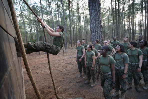 Infantry「Female Marines Participate In Marine Combat Training At Camp LeJeune」:写真・画像(11)[壁紙.com]
