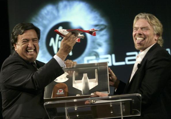 Rick Scibelli「Richard Branson Announces Plans For New Mexico Spaceport」:写真・画像(9)[壁紙.com]