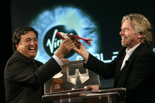 Rick Scibelli「Richard Branson Announces Plans For New Mexico Spaceport」:写真・画像(5)[壁紙.com]