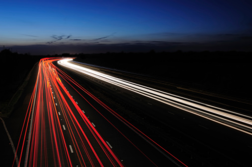 Light Trail「Motorway Lights at Twilight」:スマホ壁紙(10)