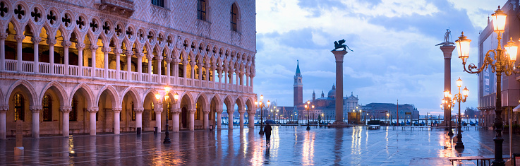 Extreme Weather「Acqua Alta or High Water in Piazza San Marco」:スマホ壁紙(17)