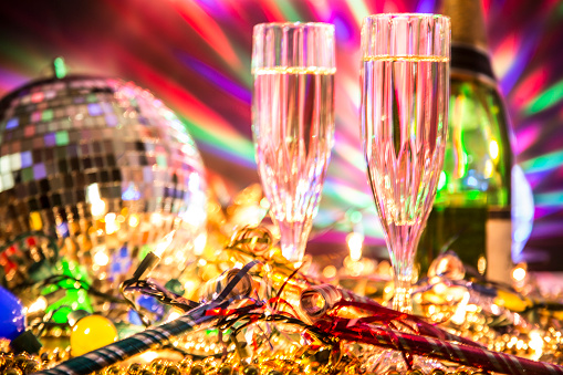 Party - Social Event「New Year's Eve holiday party with champagne, disco ball, decorations.」:スマホ壁紙(0)
