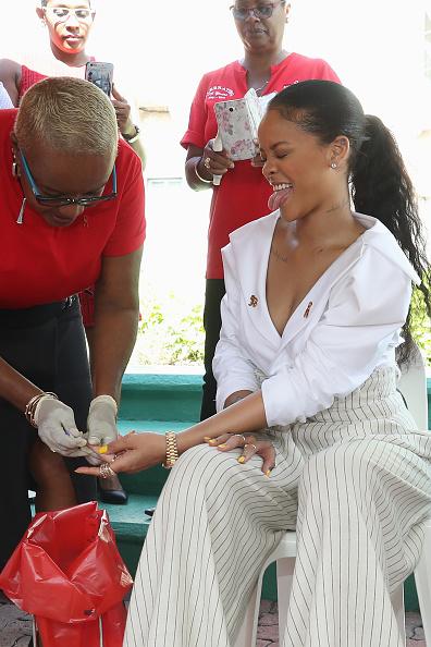 Three Quarter Length「Prince Harry Visits The Caribbean - Day 11」:写真・画像(11)[壁紙.com]